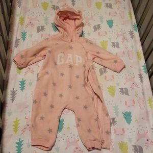 Gap baby girl good condition size 12 to 18 months